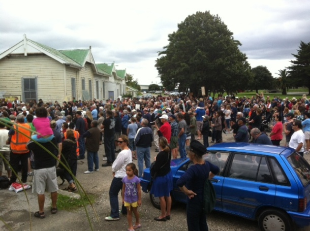 Crowded Gisborne railway station, Grey Street.