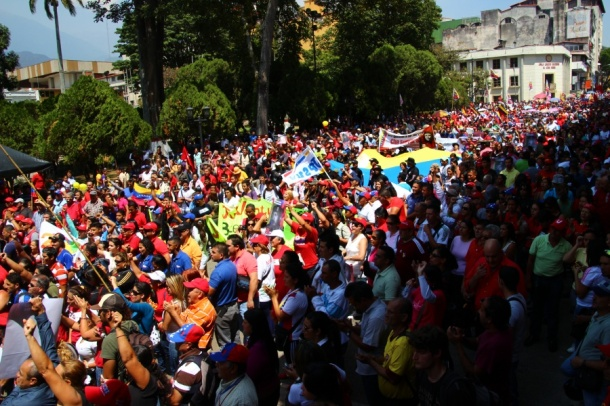 Venezuelan people mobilise in support of the Bolivarian revolution.